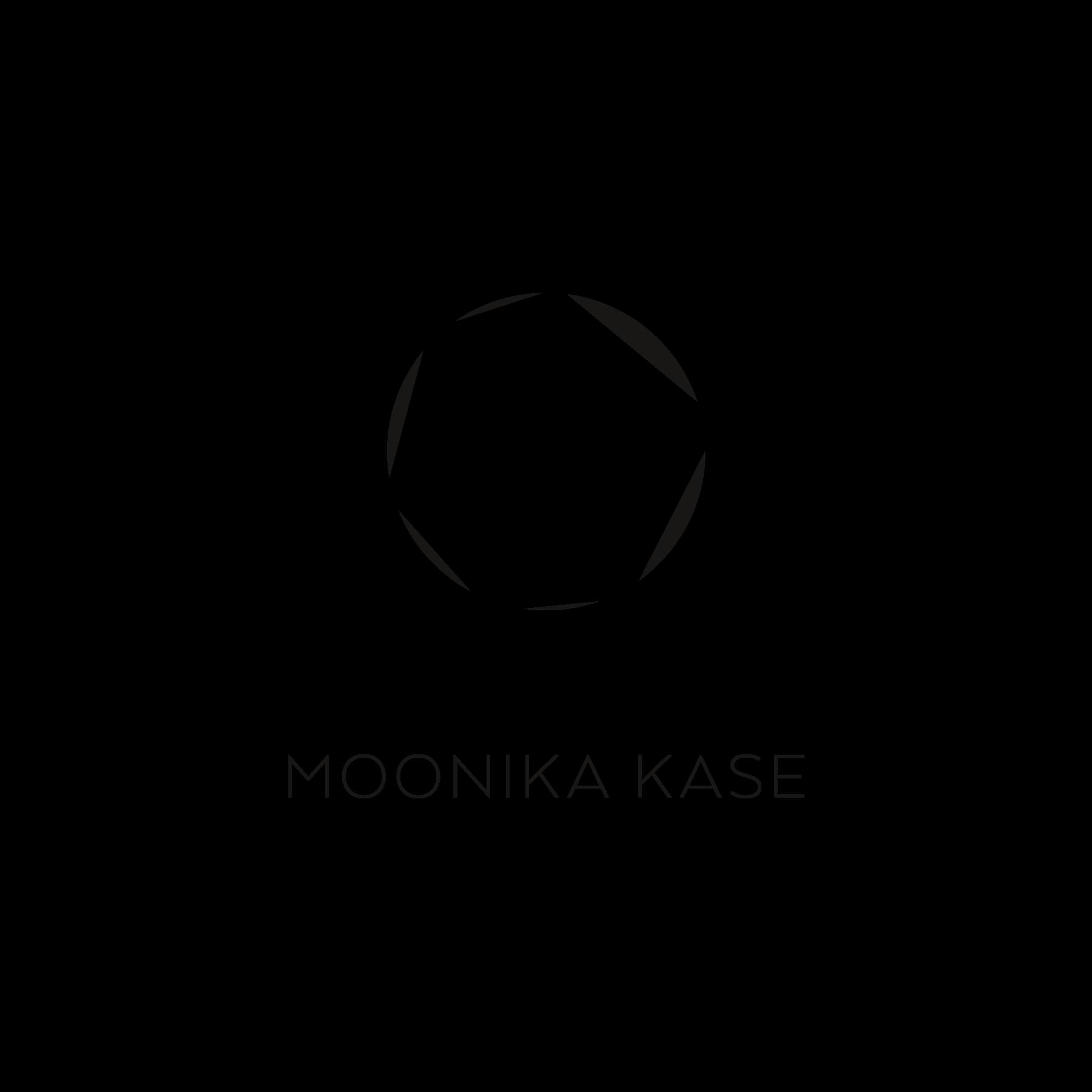MoonikaKase_1800x1800px